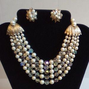 Vintage Pearl Costume Chocker & Matching Earrings.
